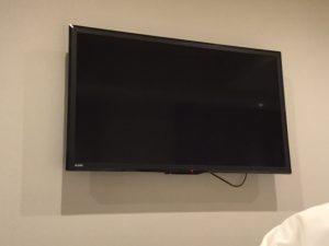 壁掛テレビ