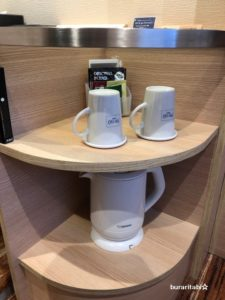 ケトルとお茶セットが設置