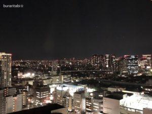 窓から見た夜の景色