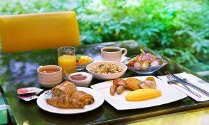 並べられた朝食