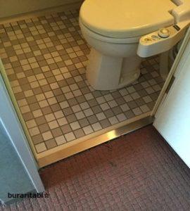 部屋とバスルームの段差