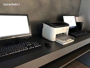 パソコンとプリンターも完備