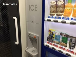 製氷機と自販機